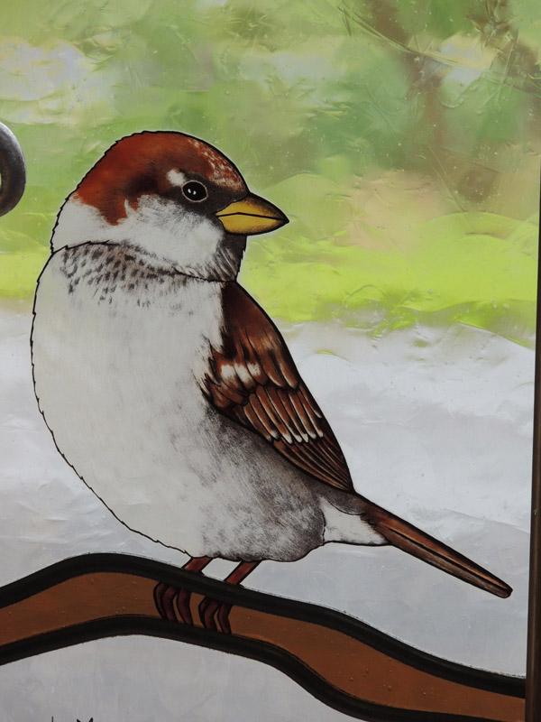 vétail de l'oiseau en peinture à la grisaille, cuisson au four à 660°C