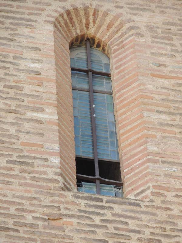 vitrail avant restauration, vue extérieure, cathédrale d'Albi