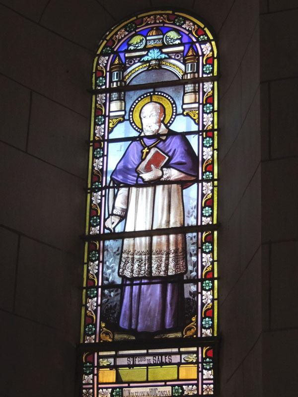 vitraux avant restauration, église de Notre Dame de La Garde, Paulinet